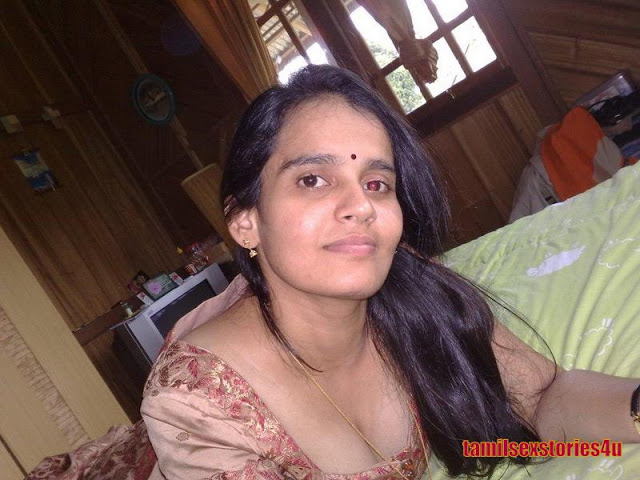 Hot Mallu Aunties Breast Show  Downblouse1-8147