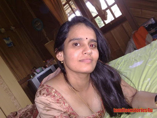 Hot Mallu Aunties Breast Show  Downblouse1-8524