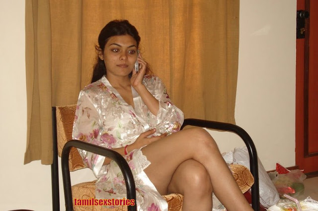 Nri Aunties Hot Show In Transperant Saree  Downblouse1-6228