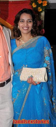 Desi Aunties Hot Newly Married Honeymoon Photo Gallery -4394